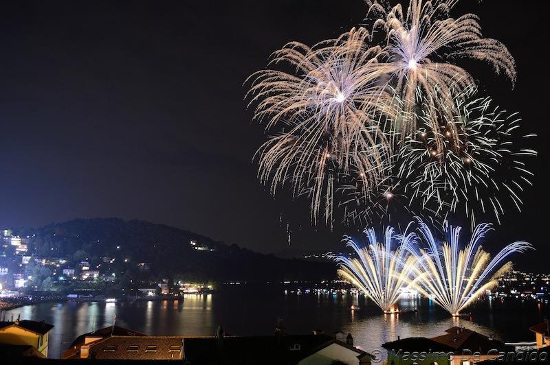 Cattura l 39 attimo fiori di fuoco campionato mondiale di for Fiori di agosto