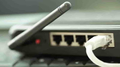 تعتبر شبكة الإنترنت وسيلة اتصال اساسية في حياتنا، وترافقنا ليلا نهارا من المنزل الى العمل وبالعكس
