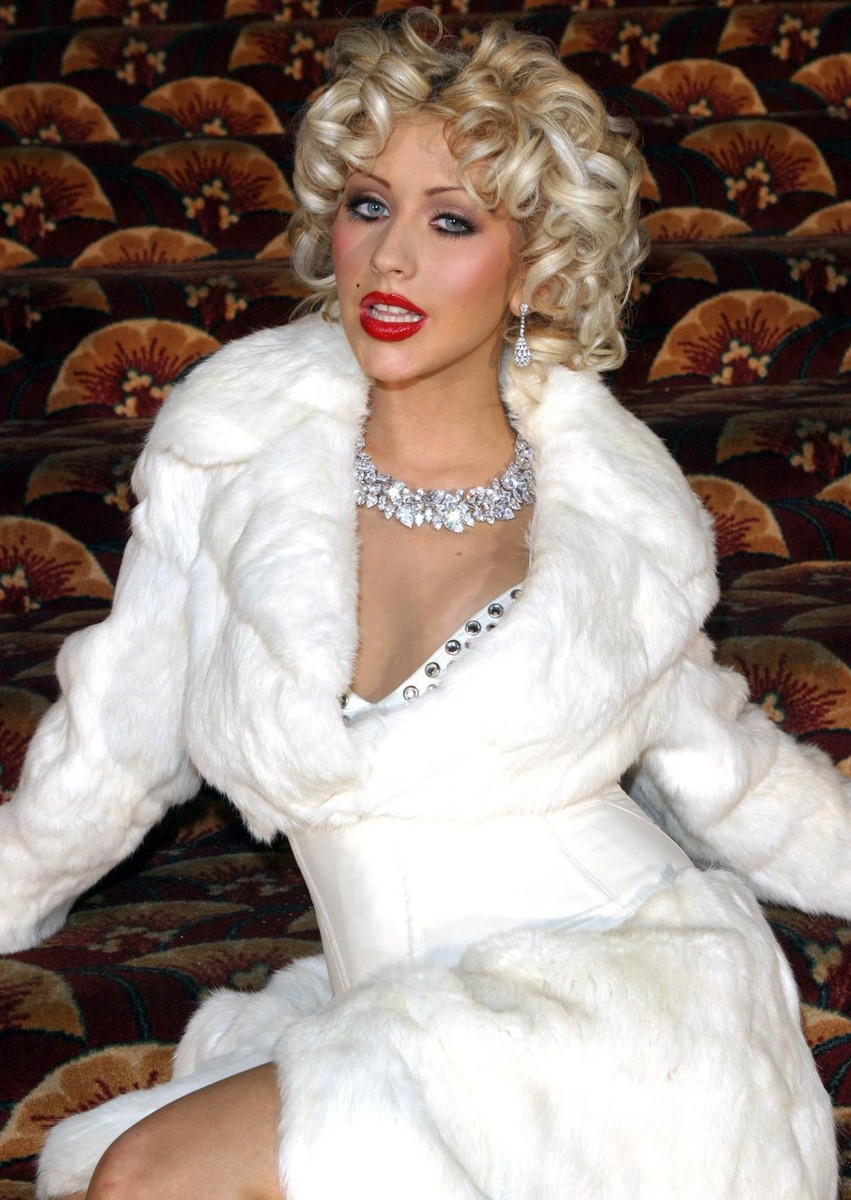 2012 Hairstyle Trends: Christina Aguilera Hairstyles ... Christina