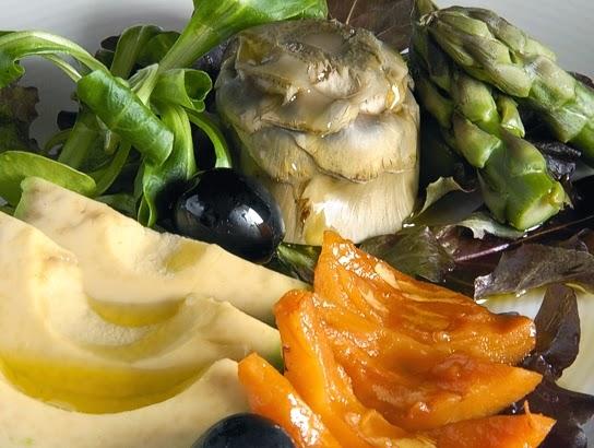 La gastrocinemia ensalada de aguacate n speros y for Cocinar nisperos