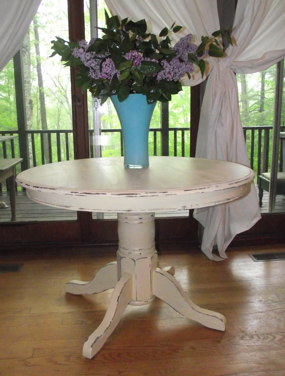 Painted round dining table  yolanda  y on Pinterest