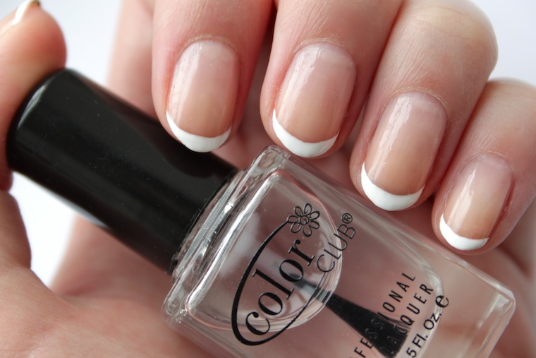 Oval Shaped French Tip Nails French Tip And Used a Nail