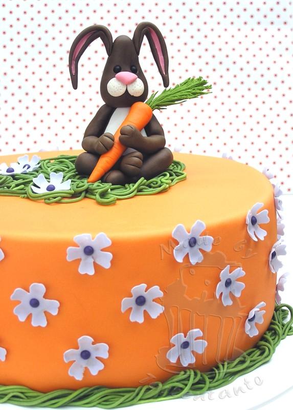 Ostern Torte Motivtorte Ostertorte Fondant Hase Osterhase Blütenpaste modellieren