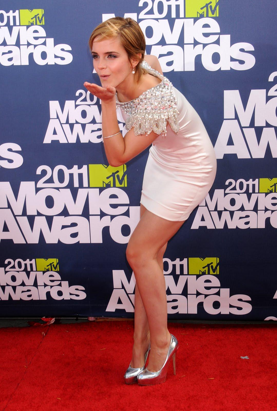 http://4.bp.blogspot.com/-VqkVPR9bIdY/Te4PKHJ_jzI/AAAAAAAABWg/xDivG7QEReY/s1600/2011+MTV+MOVIE+AWARDS+-+EMMA+WATSON.jpg
