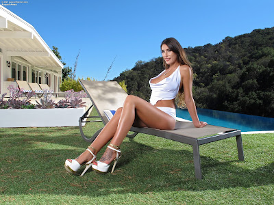 InTheCrack 1098 August Ames