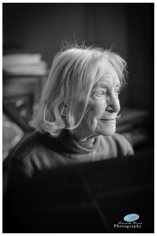 Eva Warren