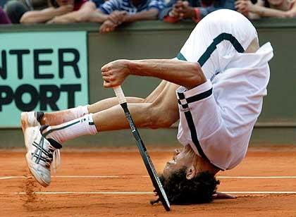 смијешан тенисер на главу