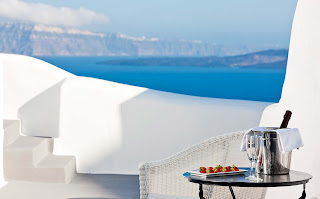 santorini luxury hotels 16