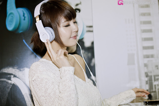 5 Kang Yui for Fanny Wang Headphone-very cute asian girl-girlcute4u.blogspot.com