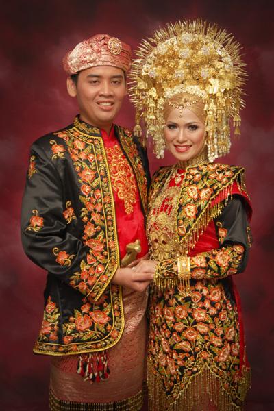 Contoh Baju Pengantin Minang Modern Pernikahan Bayu