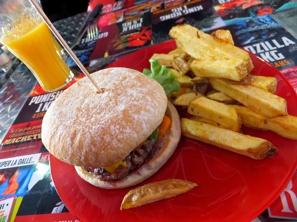 Hollywood regal Limoges restaurant brunch burger