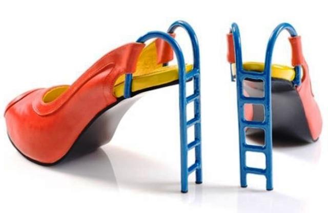 Sepatu Paling Unik dan Aneh - Sepatu Slide