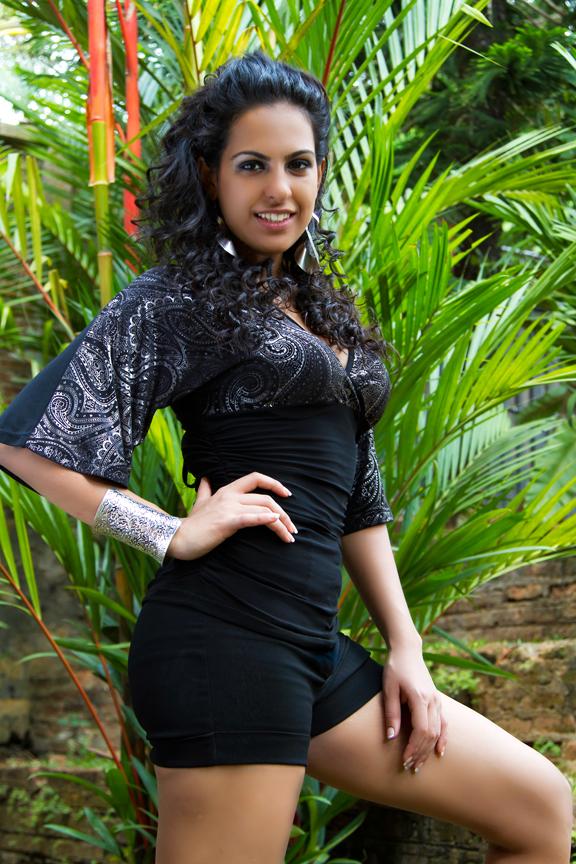 Stephanie Siriwardhana Hot picture