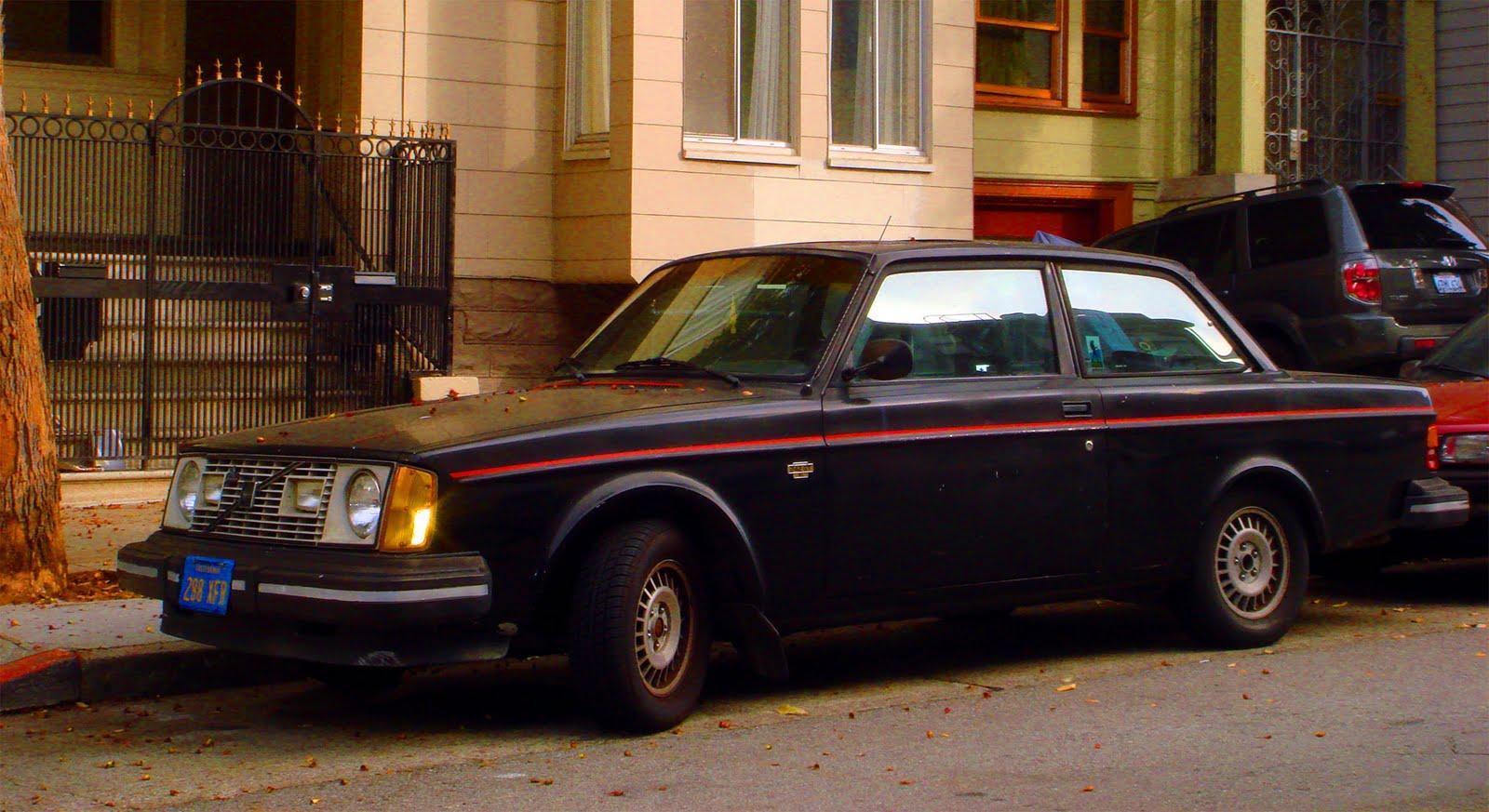 vintage car spotting  streets  london  volvo  gt