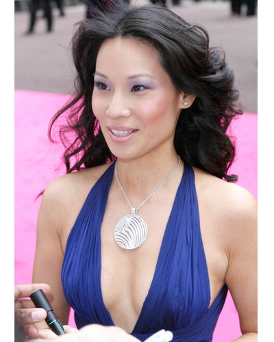 Lucy Liu Hot Photo Posted by Free Desktop Wallpapers at 1035 AM