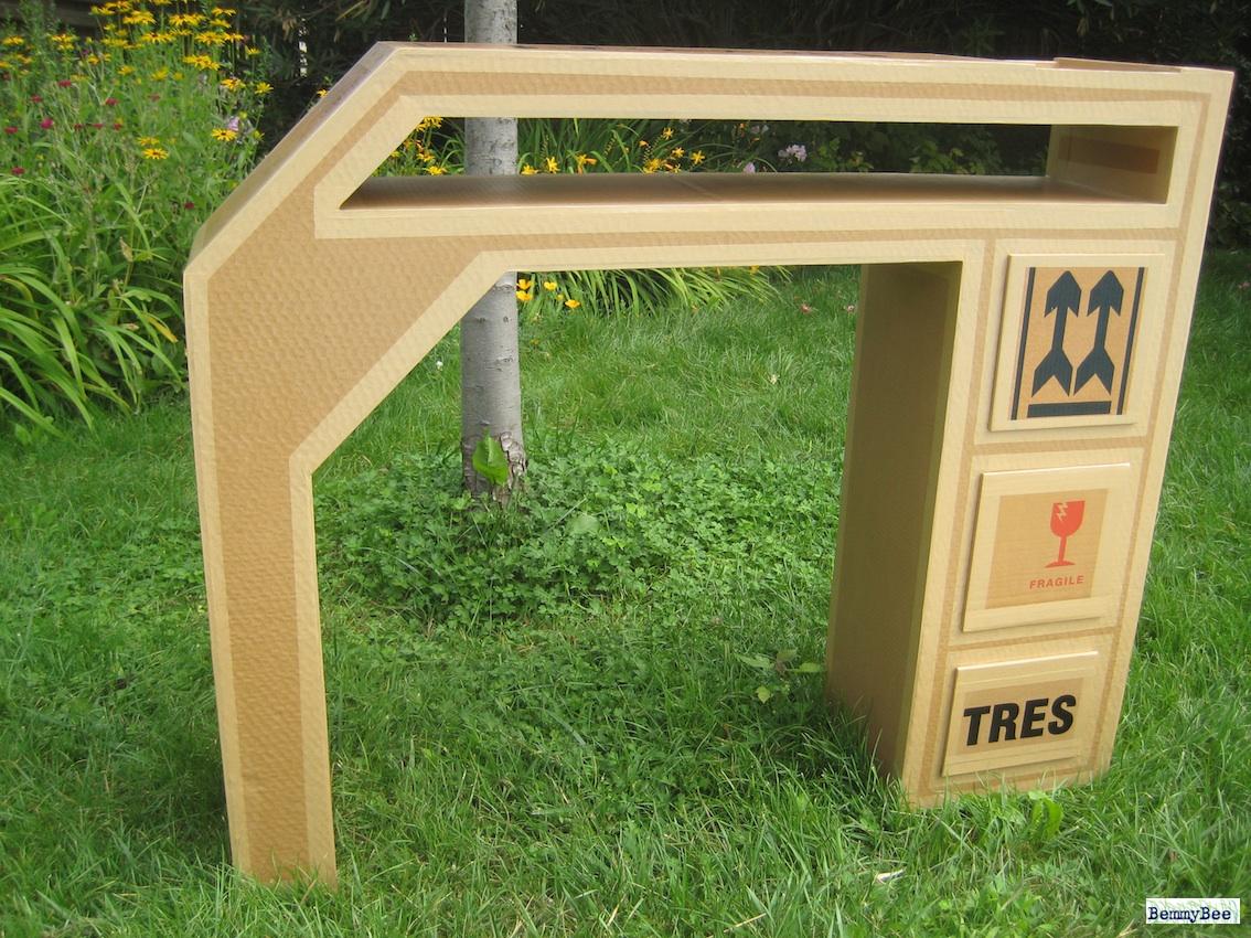 console en carton brut suite et fin bemmybee cr ations. Black Bedroom Furniture Sets. Home Design Ideas