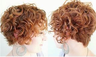 model-rambut-keriting-wanita_20365548