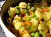 Nhoque de Batata com Cenoura e Ervilha (vegana)