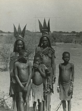 herero genocide At the time ofeuropean contact, the herero or herero were nomadic herdsman wholived in namibia and botswana.