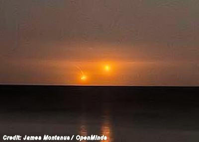 Two UFOs Photographed Over Lake Ontario 10-2-14
