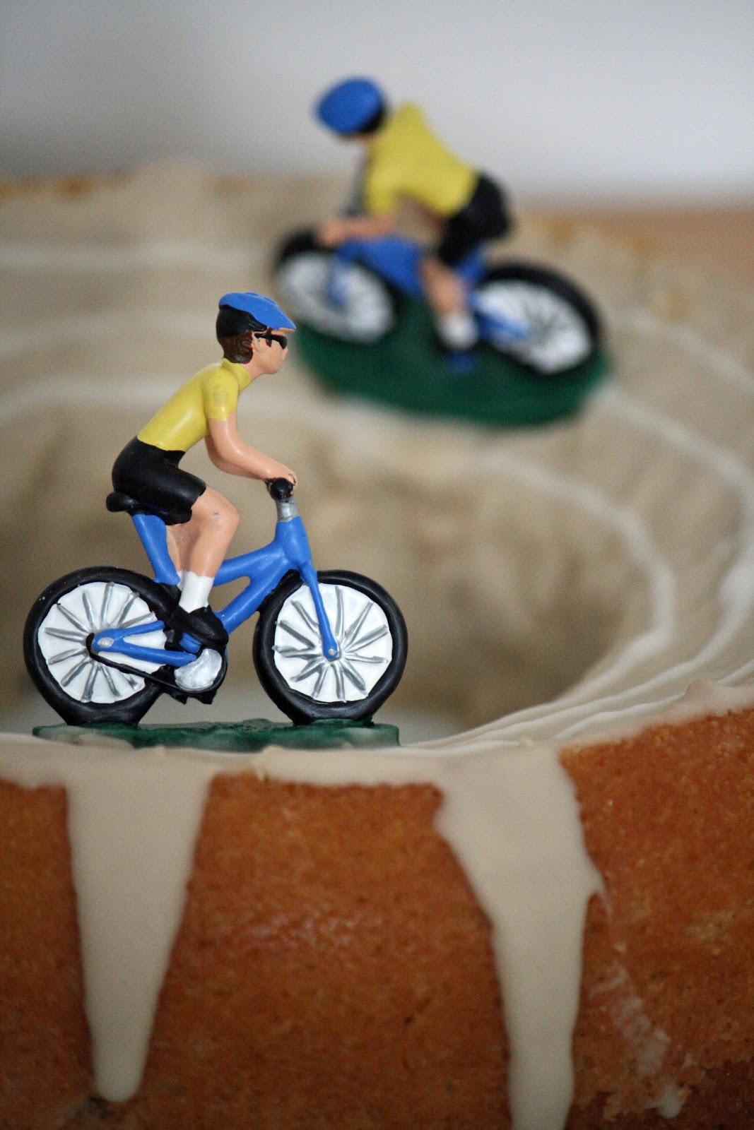 Lauralovescakes Olympic Velodrome Cake