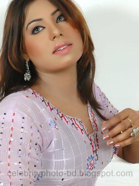 Hot%2BBangladeshi%2BDhaka%2BCity%2BGirls%2BHot%2BPhotos%2BCollection%2B2014004