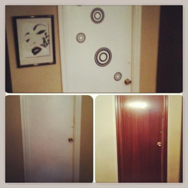 Bricolaje muy f cil con una puerta antigua reciclar y for Perchas adhesivas para puertas