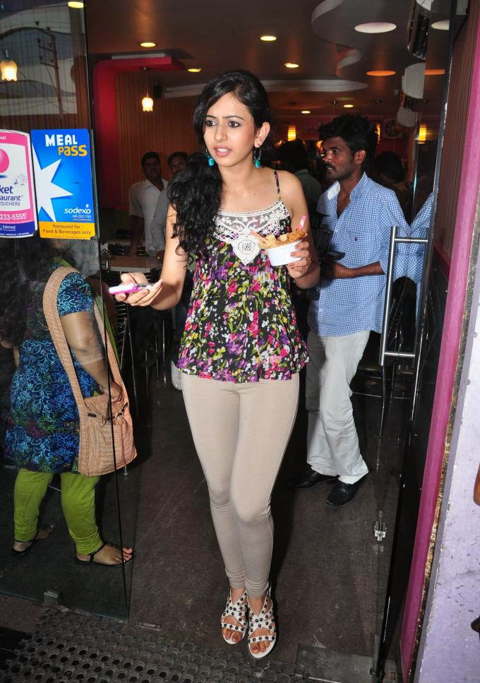 Rakul Preet Singh Latest Hot unseen pics in tight pants white black panty visible wardrobe malfunction pics