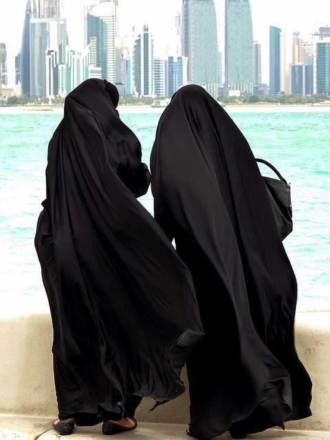 http://niqabmylife.tumblr.com/