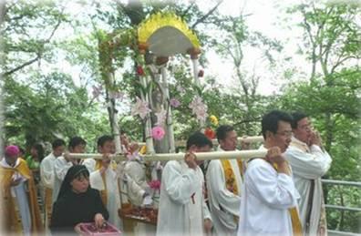 ÁSIA/CHINA - O Dia Mundial das Missões: novo início de evangelização para a comunidade católica