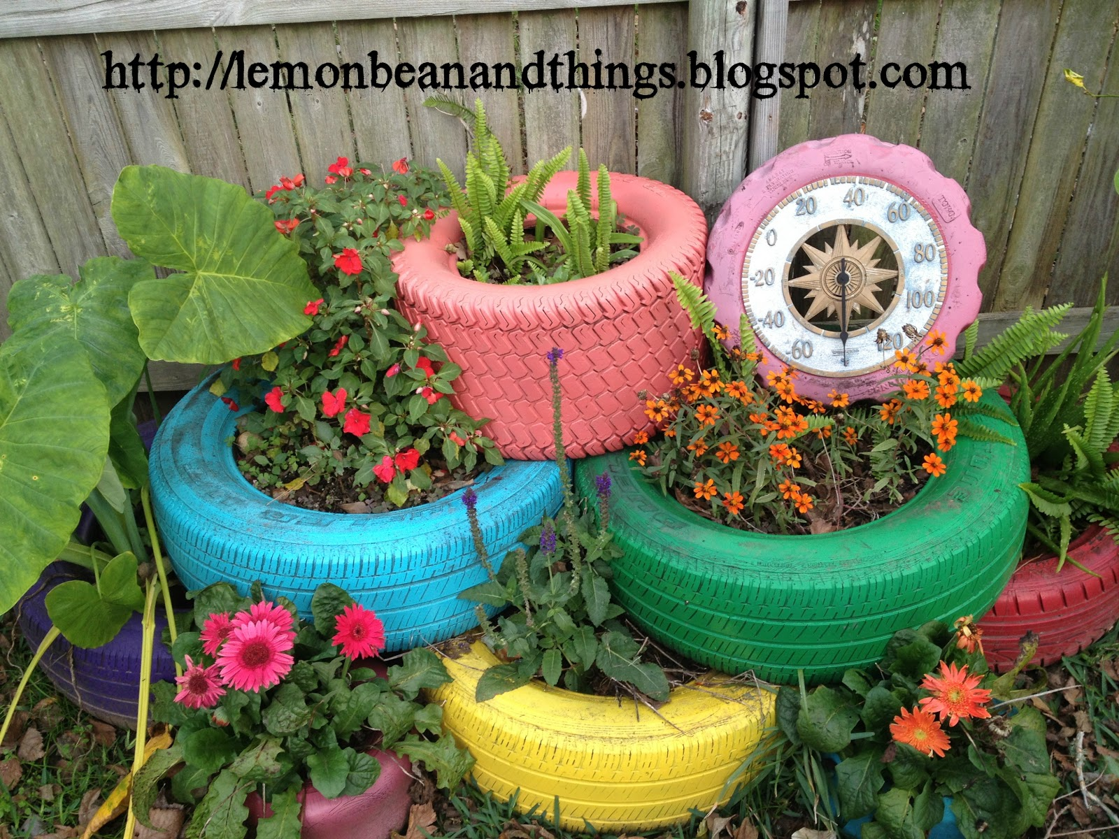 Lemon bean and things recycle tire planter under for Como decorar un jardin con plantas