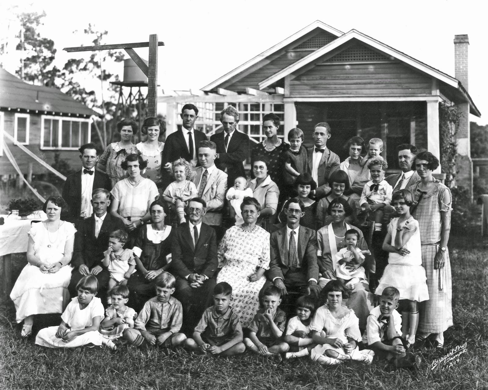 WILLIAM P. NEELD FAMILY PORTRAIT 1924