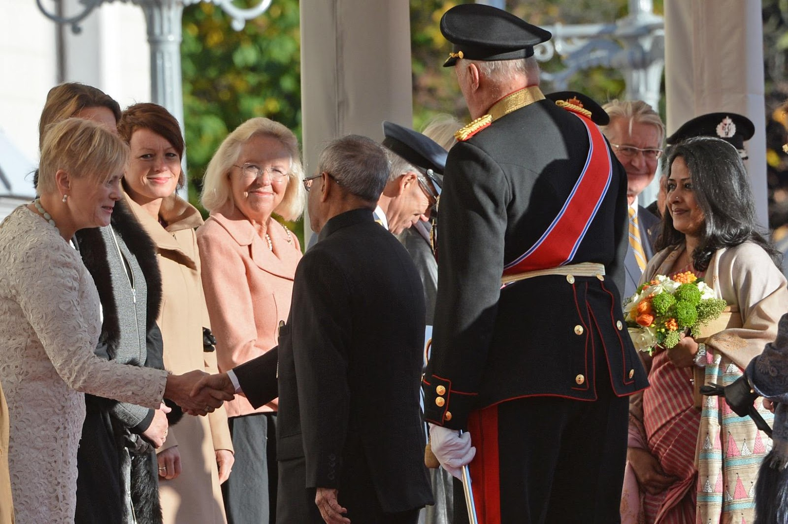 Norwegian Royal Family welcome the President of India, Pranab Mukherjee and his daughter, Sharmistha Mukherjee to Norway on the first day of their state visit to the country.