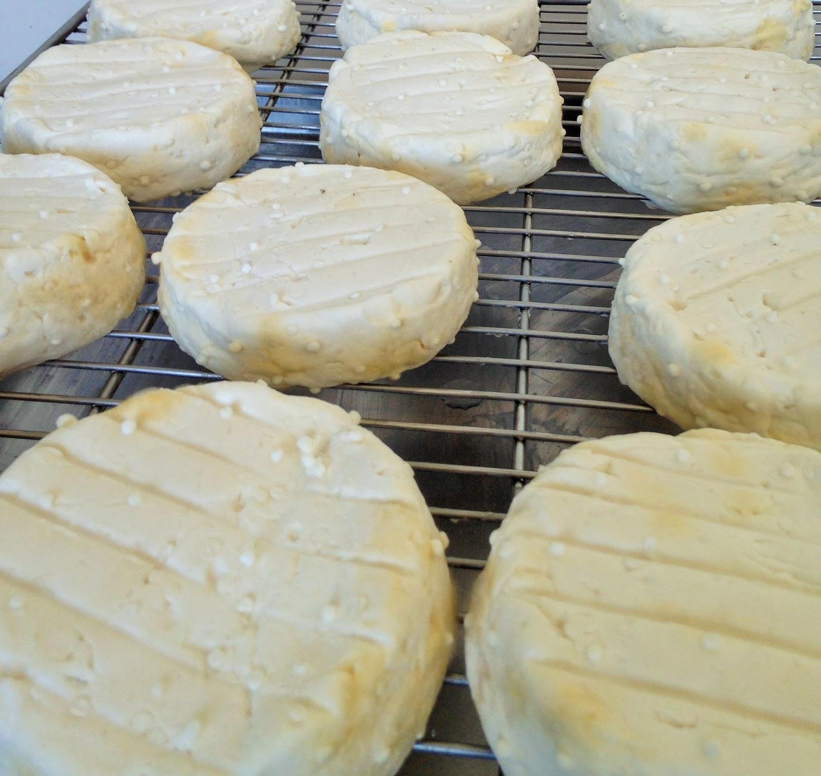 La laiterie de paris le fameux camembert de ch vre de for Fromage en special