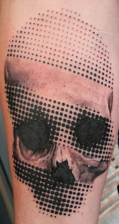 Amazing lovely halftone skull tattoo