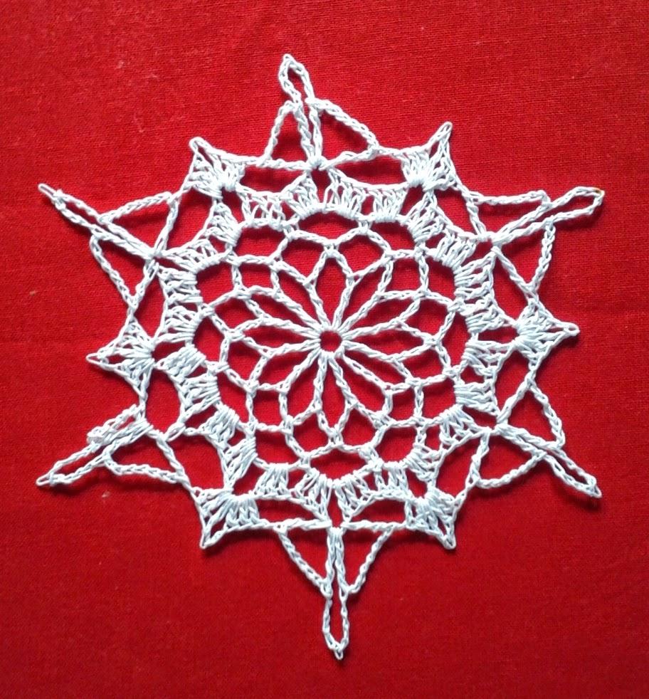 White snowflake christmas ornament free crochet patterns