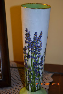 dekupaž na čaši od piva