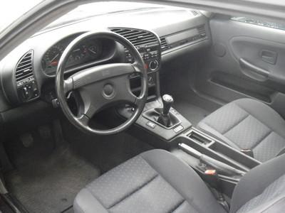 Внутри BMW e36