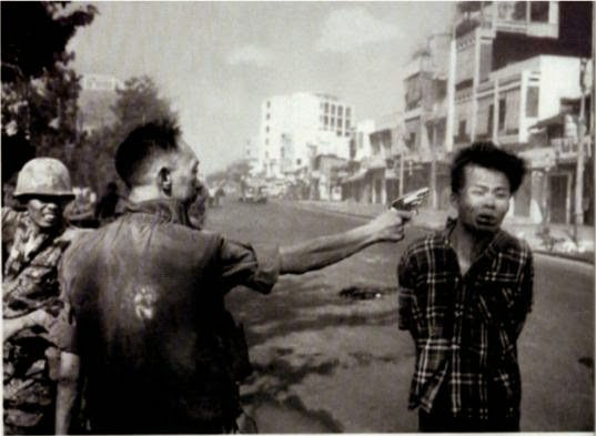 Ultimate Collection Of Rare Historical Photos. A Big Piece Of History (200 Pictures) - Execution of a Viet Cong Guerrilla