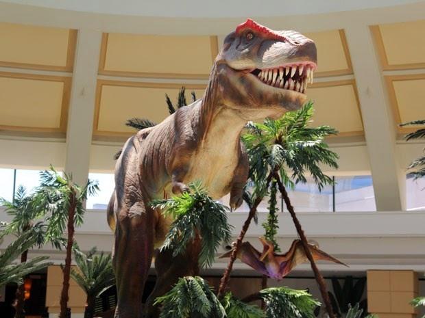 """Exposição """"O Mundo dos Dinossauros"""" está aberta para visitação no Shopping Bela Vista (Foto: Divulgação)"""