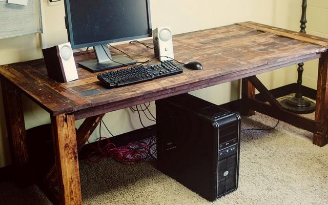 Chale nosso sitio monte um home office feito de pallets for Mesa de pallet
