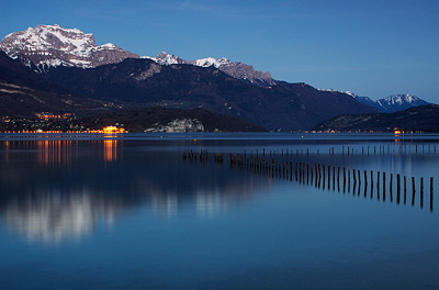 Nightfall on Annecy lake