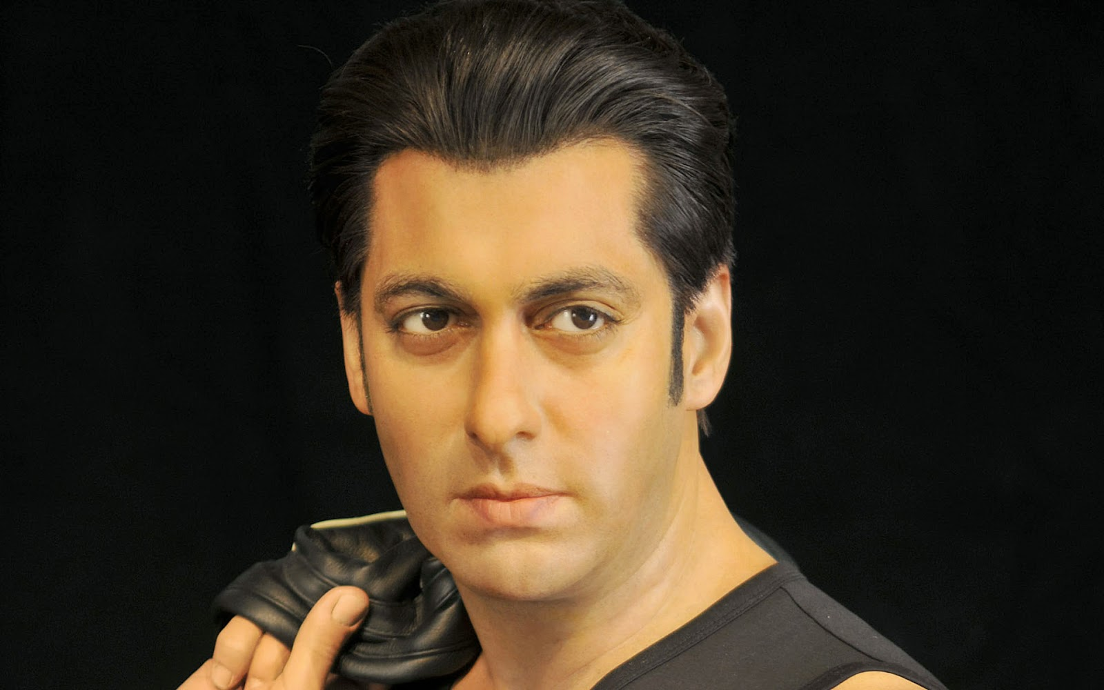 ALL ABOUT HOLLYWOOD STARS: Salman Khan hd Wallpapers 2013