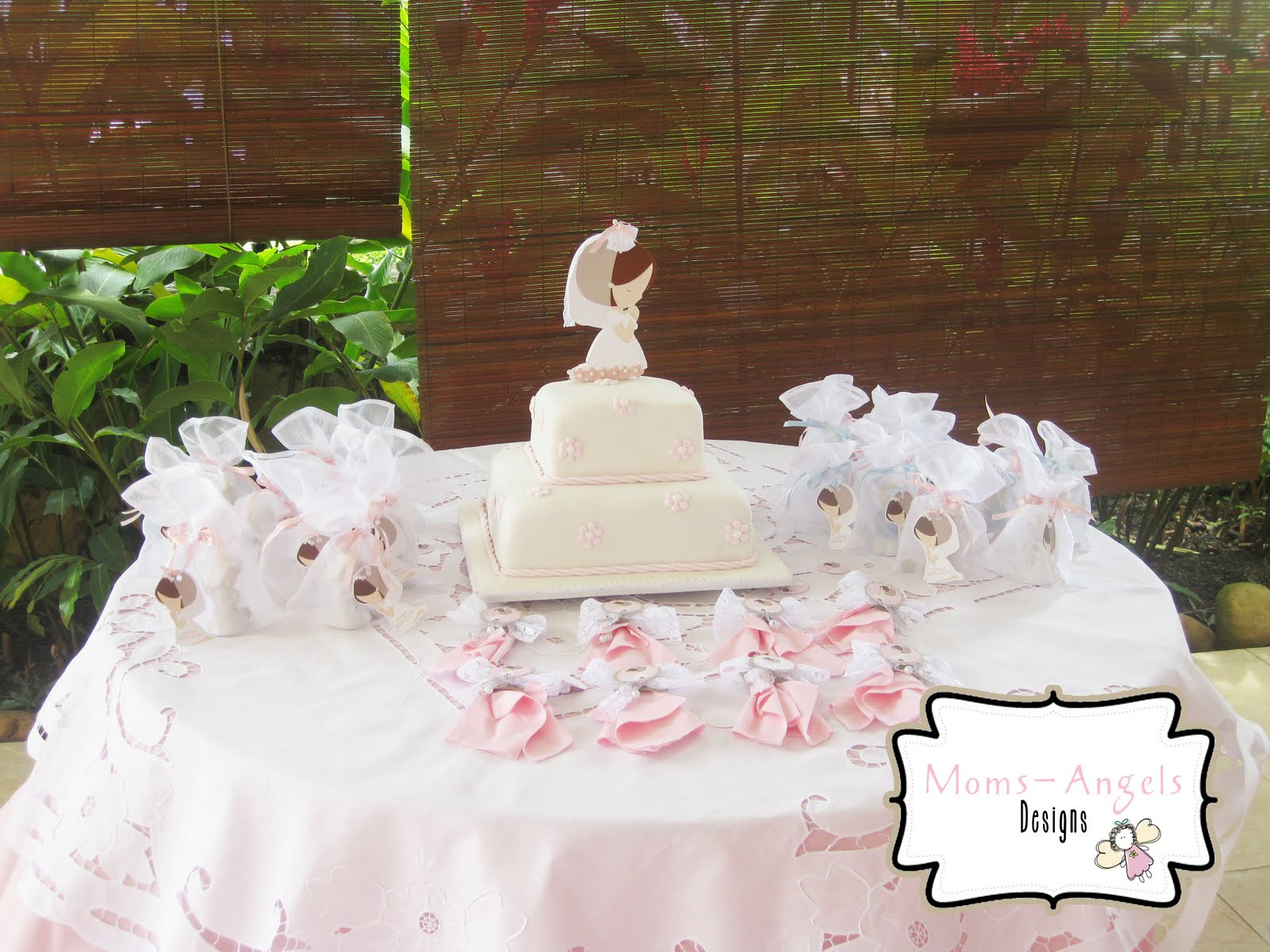 Moms angels decoracion final de primera comunion - Decoracion de primera comunion ...