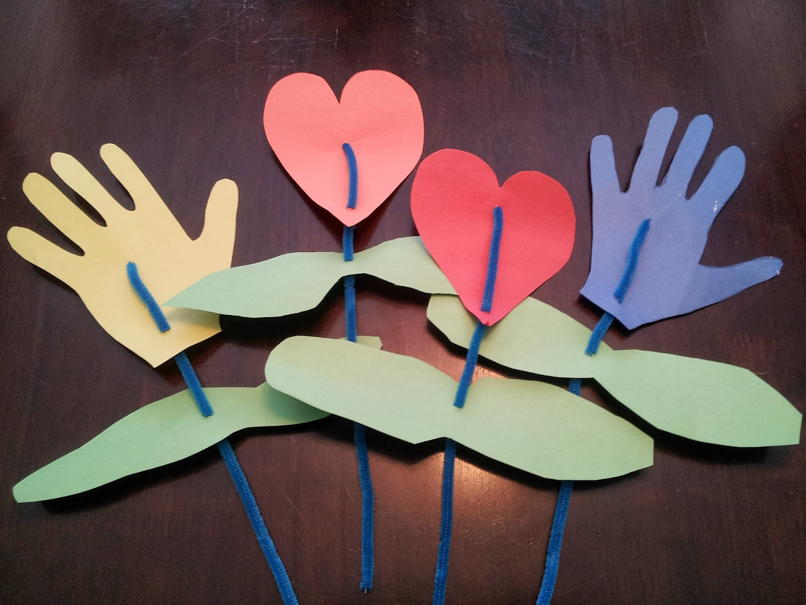 Hearts and Handprints Valentine Bouquet craft, kids crafts, Valentine's Day