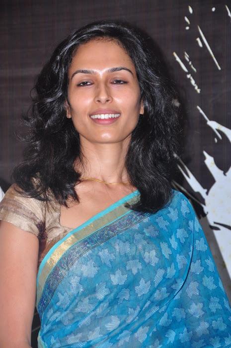 yasmin ponnappa aaranya kaandam press meet hot photoshoot