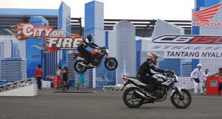 spesifikasi dan harga Honda CB150R STREETFIRE