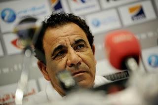 فوزي البنزرتي مرشحا لقيادة دفت الرجاء الرياضي البيضاوي