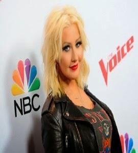 Christina Aguilera se emociona ao emplacar música na Broadway