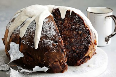 Christmas pudding with spiced creme fraiche Recipe